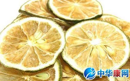 柠檬片泡水喝的功效_柠檬是降压开胃果柠檬片泡水喝具有的六大养